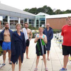 Sportlehrer*innen frischen den Rettungsschwimmer-Schein auf